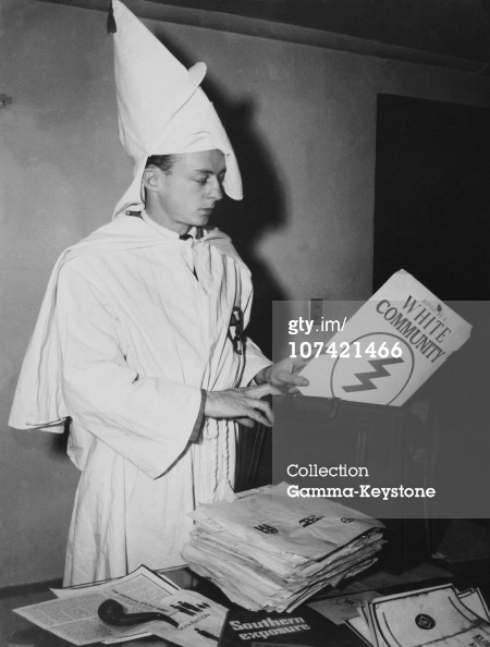 One Member Of The Ku Klux Klan With Secret Documents At New York In Usa On January 1St 1947 (Photo by Keystone-France/Gamma-Keystone via Getty Images)